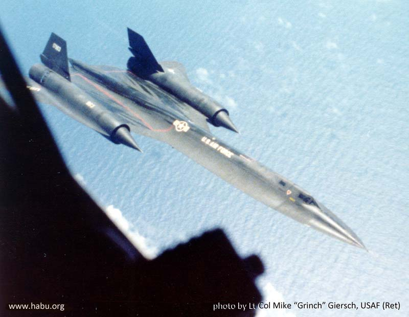 963 refueling from 58-0071 - photo by LtCol Mike Giersch